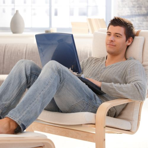 Yes, it's called a laptop, but men should avoid sitting with one on their laps. This is because a lot of heat is emitted from the bottom of a laptop, which could heat things up in the scrotum. Rather set your laptop up on a table – it's also easier to work from this way.