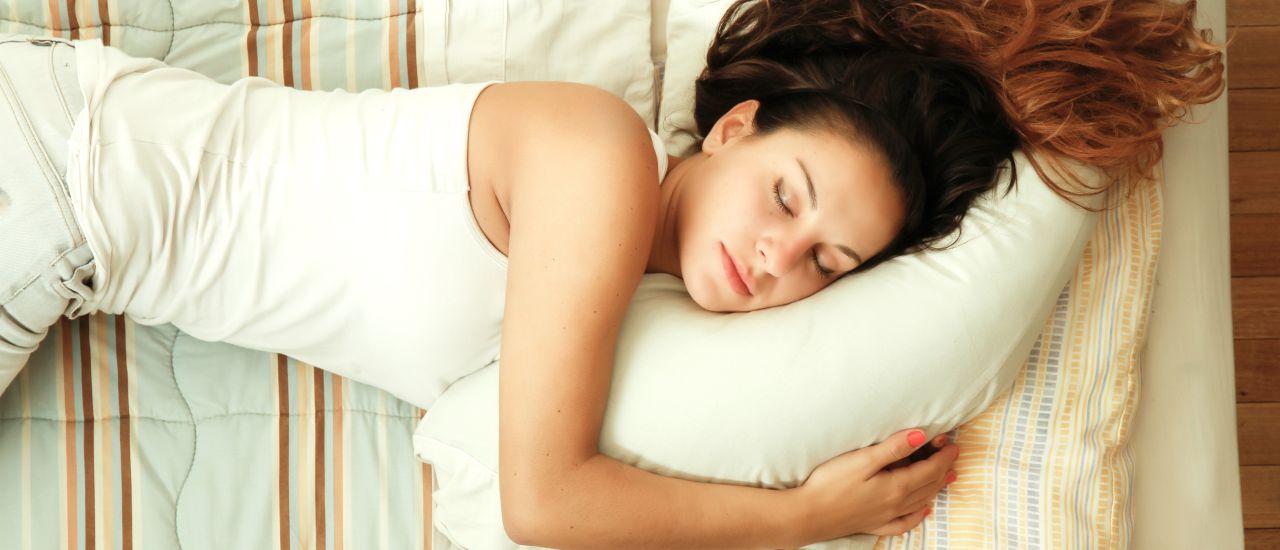 Easy ways to sleep early