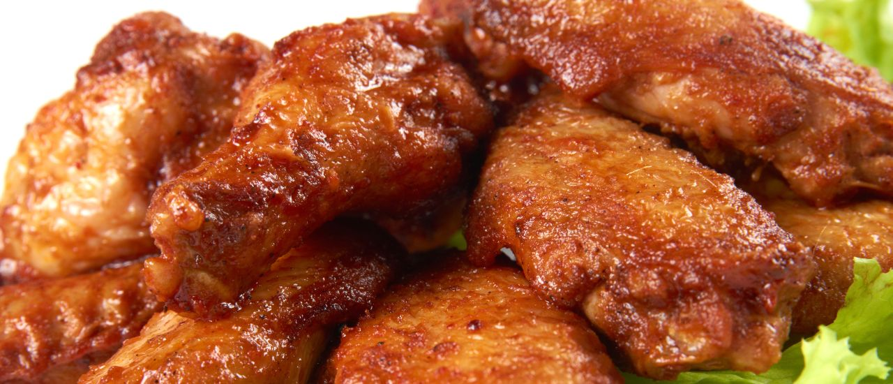 Sticky chicken wings are such delicious things!