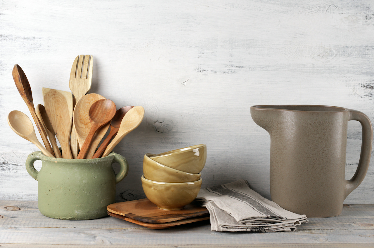 How to avoid toxins in the kitchen
