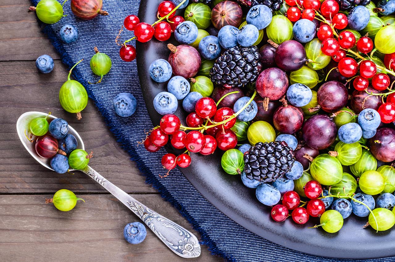 How do antioxidants help your skin?